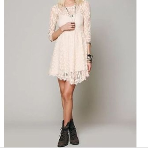 Free People Dresses & Skirts - Free people white lace leaf dress. Like new!